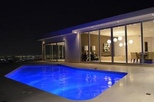 منطقة حمام السباحة الخارجي